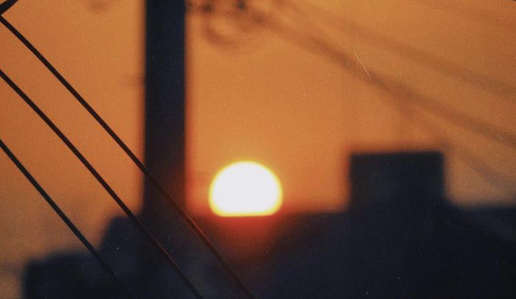 自宅から夕日の写真